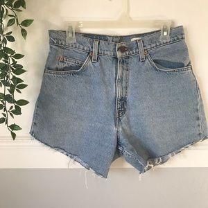 Vintage High Waisted Levi's 550 Shorts